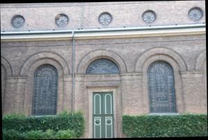 Gesamtes Seitenschiff oben Links sind die Waben zu erkennen
